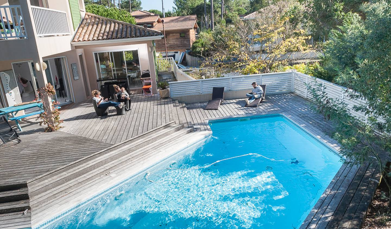 Villa avec piscine en bord de mer Le canon