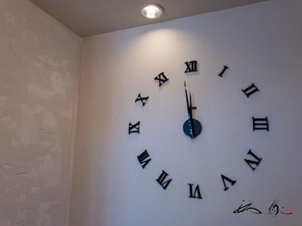 ビッグな存在感のあるかっこいい壁時計