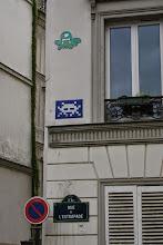 Photo: Street art - Gz'Up (en haut) -Space invaders -Paris Ve -rue de l'estrapade