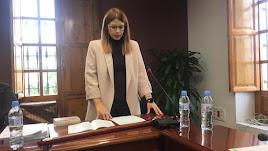 Ángeles Castillo jurando su nuevo cargo, alcaldesa de Huércal.