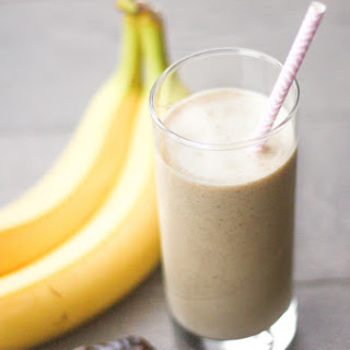 Majoon (Banana and Date) Smoothie.