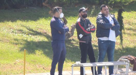 Mohamed El Assy, en el centro de la imagen.