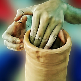 Olah Kerajinan Keramik 2 by Sjamsul Rizal - Artistic Objects Education Objects