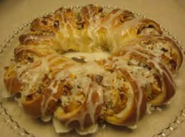 Sour Cream Pecan Tea Ring Recipe