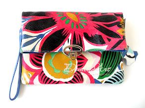 Photo: Модель Cutie. Стильная маленькая сумочка 2-в-1: кроссбоди и клатч.