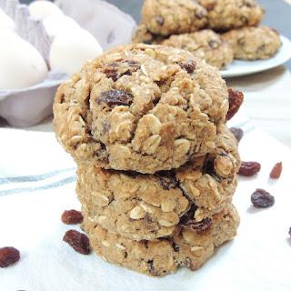 Healthy & Gluten Free Oatmeal Raisin Cookies.