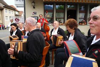 Photo: Sehr konzentrierte Musikantinnen und Musikanten