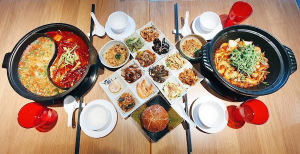 川夜宴無二火鍋樓吃到飽 中山區美食 15種特色鍋底15種風格小吃 企業包場謝師宴
