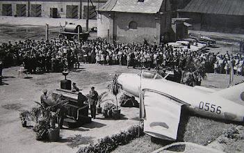 Photo: posledná rozlúčka s Dostálom a Šrotýřom na nádvorí Malinovského kasární / 1963  Cassovia aeronautica