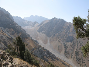 Photo: Gandakush, ascent to Kudoyar pass, view to small Gandakush