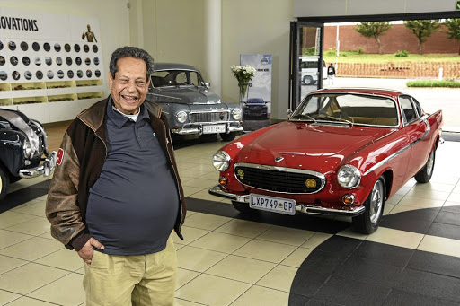 Irv Gordon and a Volvo P1800 similar to the one in which he has managed to clock up 5-million kilometres in mileage. Picture: QUICKPIC