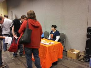 Photo: Just one of the many interactions we had at the Ubuntu Booth at Ohio Linuxfest