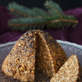 """Muraveynik"" - Anthill Cake with Caramel & Walnuts"
