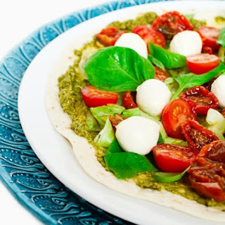 Lunchtime Caprese Pizza Wraps.