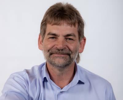 Dr Dawie de Wet.