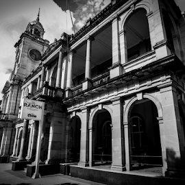 old post office from the front by Jason Day - Buildings & Architecture Office Buildings & Hotels