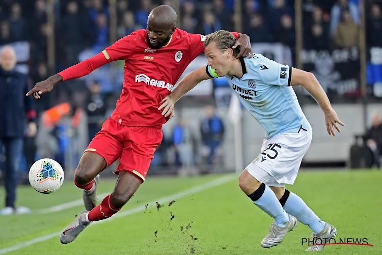 """Gek of geniaal, maar Lamkel Zé komt in geheel eigen stijl met reactie na gele kaart: """"De fans van Club Brugge hadden ons ook geplaagd"""""""