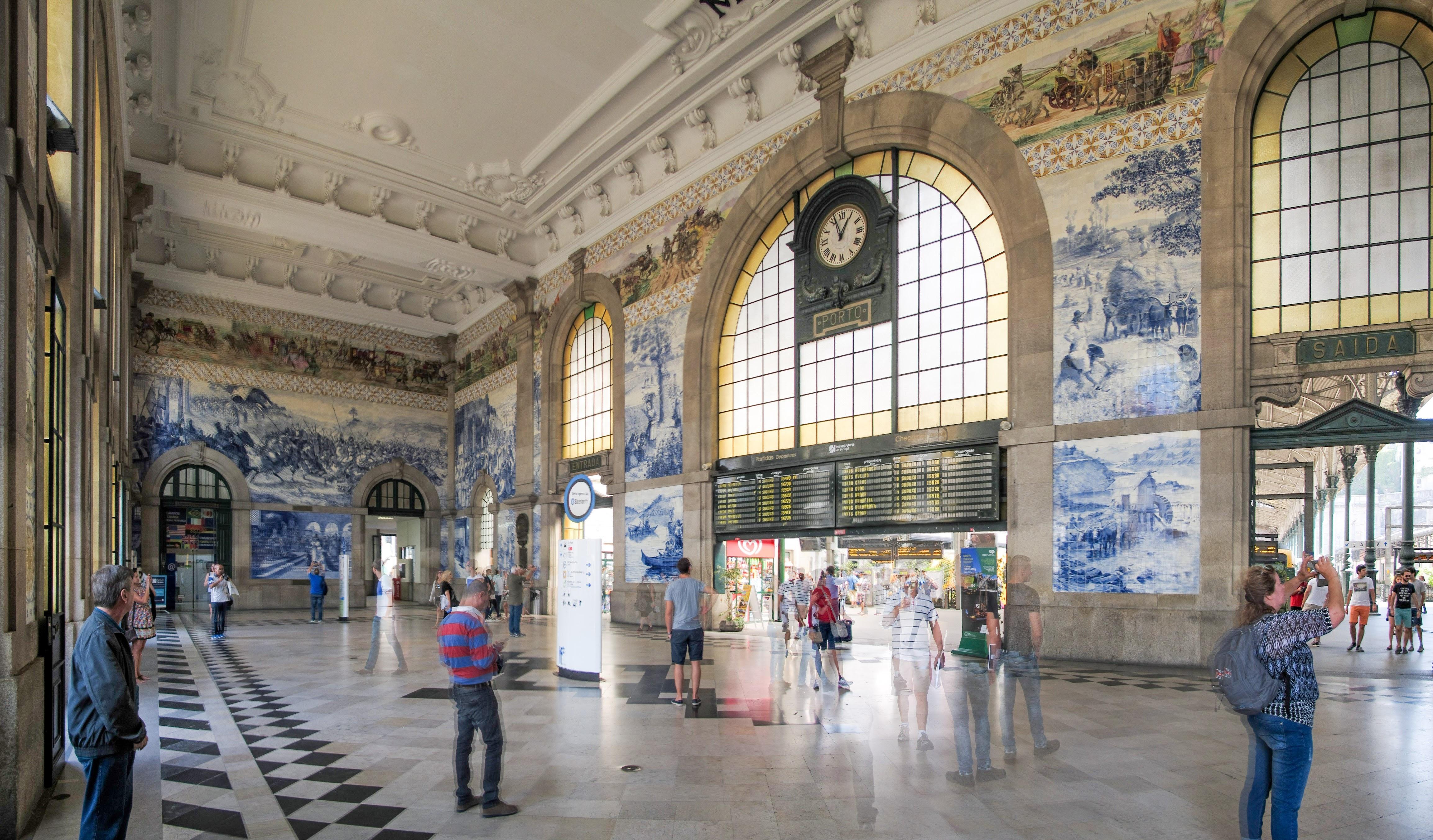 Photo: Estação de São Bento