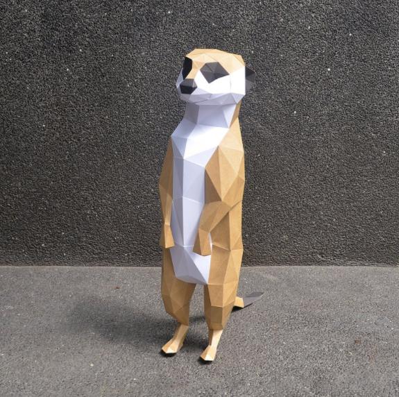 遠望的狐獴擺飾