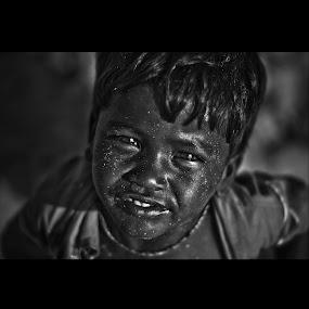 SeeNunseeN by Milind Shirsat - Babies & Children Child Portraits ( black and white, street, kids, smile, eyes )