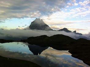 Photo: Ref d'Ayous: tramonto, il Pic du Midi si specchia nel Lac Gentau.