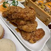56. Crispy Chicken Wing with Honey Garlic 蒜蜜炸雞翼(六件)