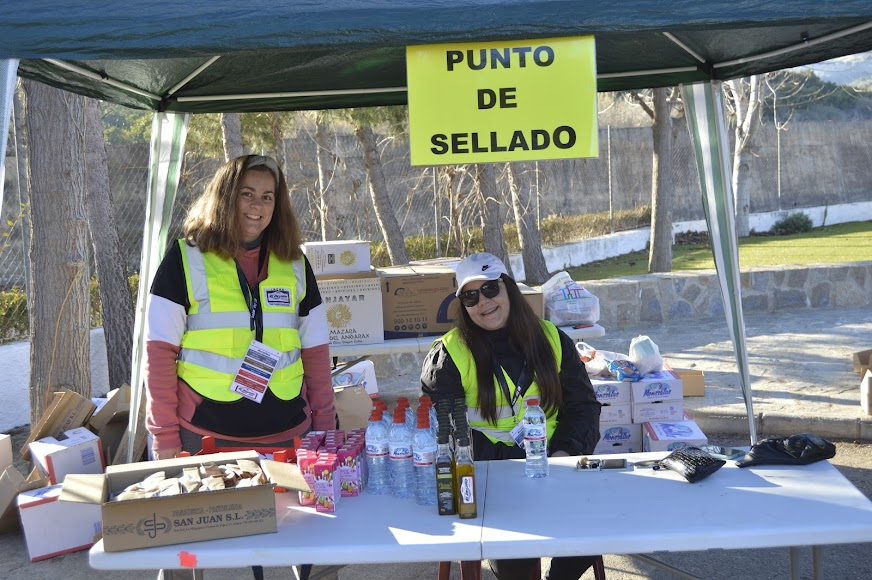 Irene y Lucía recibieron a los participantes.