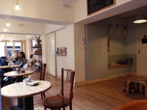Foto Petit à Petit cafe 2