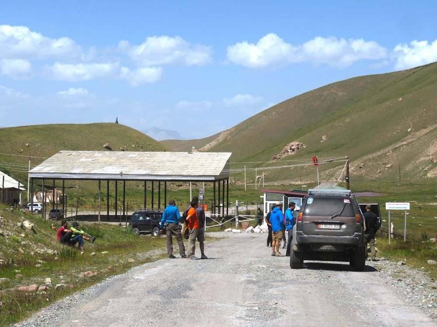 Dia 33 – Deslumbrados com a cordilheira das PAMIR, do Tajiquistão 🇹🇯 até Sary Mongol, no Quirguistão 🇰🇬 | Crónicas do Rally Mongol