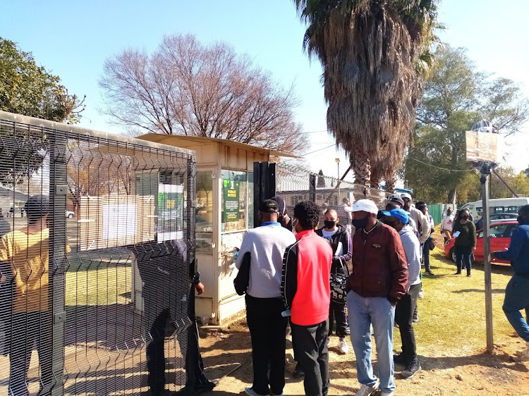 Long queues were seen at driving licence and testing centres after lockdown measures were eased. Now an online application system is operational in Gauteng. Picture: PHUTI MPYANE