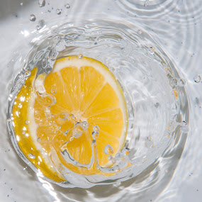 Splash LEMON by Yasser Abusen - Food & Drink Ingredients ( water, splash, yellow, lemon )