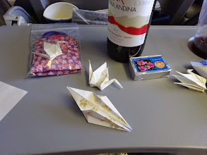 Photo: 現地エキストラの方々に渡す鶴を折るのをお手伝い!