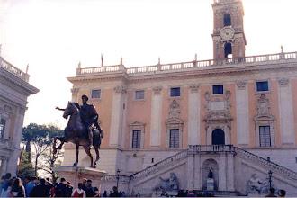 Photo: #015-Statue de Marc Aurèle place du Capitol.
