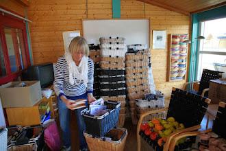 Photo: Årets SiV-kits packas med otroligt generösa varuprover från sponsorerna.