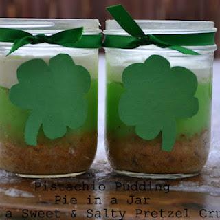 Pistachio Pudding Pie Recipe!