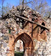 Photo: Kirchenruine in Mecklenburg