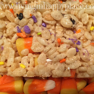 Easy Halloween Rice Crispy Treat Snack! Great for school parties! Quick and easy.