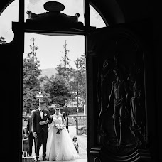 Wedding photographer Oksana Zakharchuk (youllow). Photo of 17.08.2017