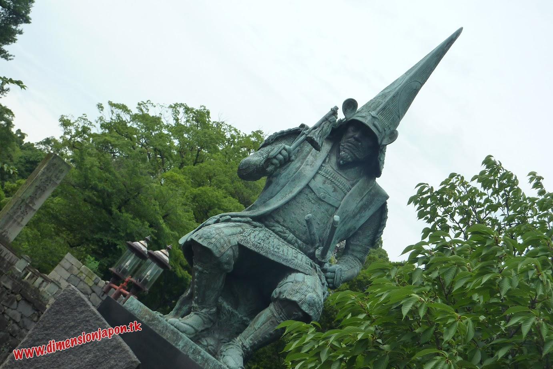 P1060948 Estatua de Kato Kiyomasa junto al castillo  (Kumamoto) 15-07-2010