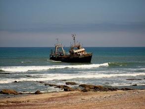 Photo: Épave de bateau échoué en Namibie