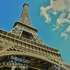Eiffel Tower by Fabio Ferraro - Travel Locations Landmarks ( eiffel tower, paris, tour eiffel, eiffel, tour )