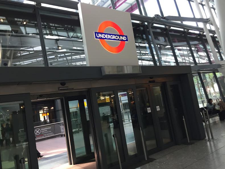 ロンドン・ヒースロー空港 地下鉄乗り場