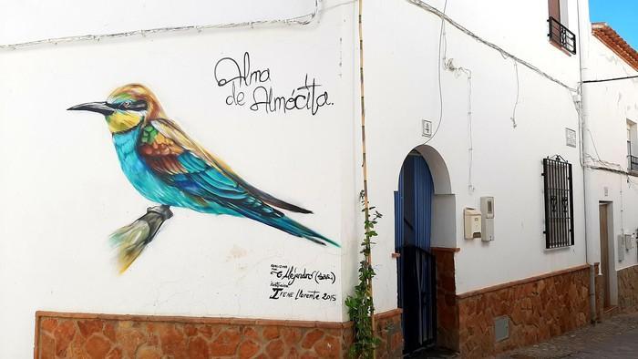 Sus calles y plazas en verdaderas salas donde se exponen poesías, fotografías, murales y esculturas.