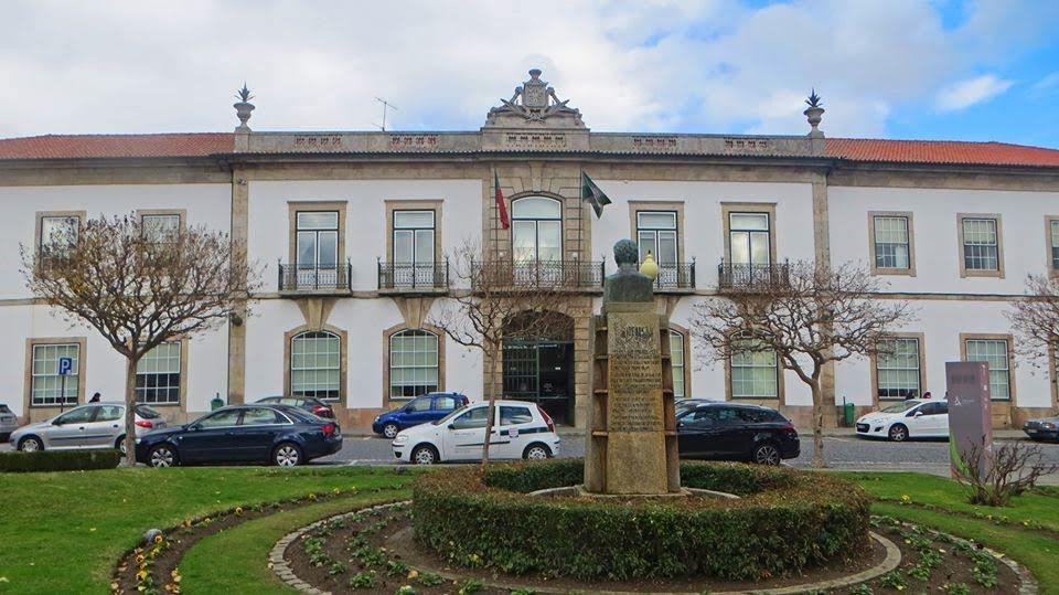 Câmara de Lamego suspende eventos e encerra edifícios