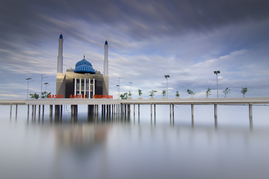 Floating Mesjid of Makassar by Muhammad Rafiuddin - Buildings & Architecture Places of Worship