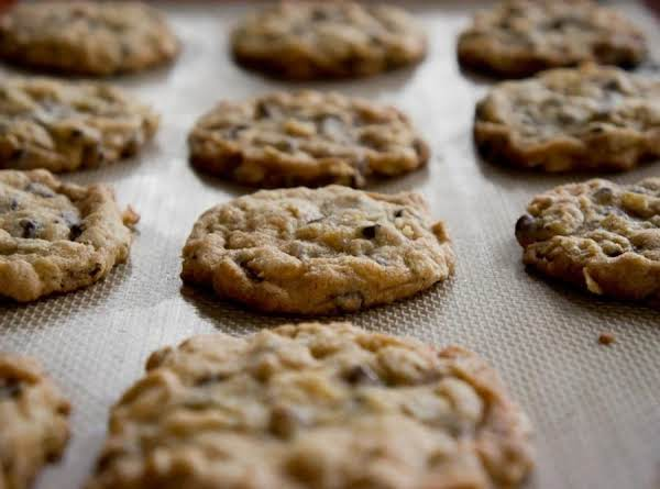 Oatmeal Chocolate Chip Cookies!!
