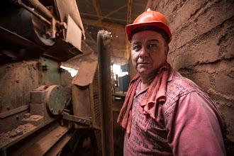 Photo: El trabajador de la gres
