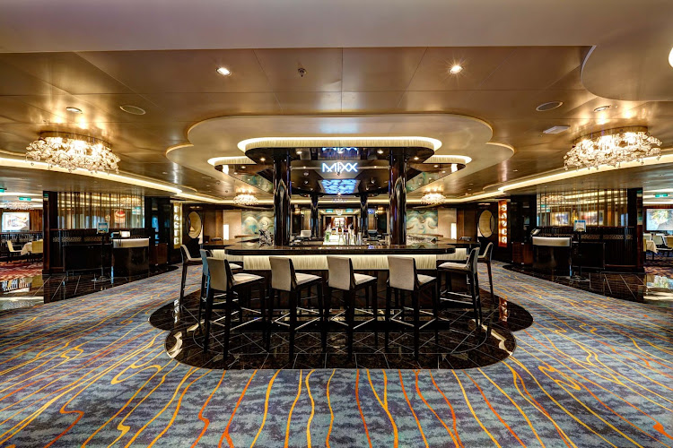 Kick back, relax and meet new friends at the Mixx Bar on board Norwegian Escape.