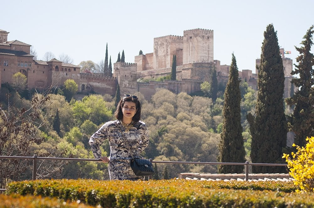 somethingfashion valenciablogger spain granada valencia fashionblogger ootd alhambra influencersespaña amandaramon bloggersvalencianas