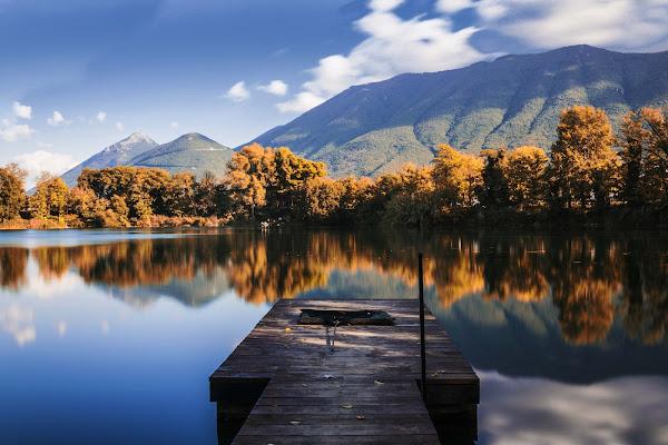 Fall in the Lake di Fabrizio Tuttolomondo